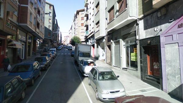 basauri_lonjas_vacias_calle_abril_2011