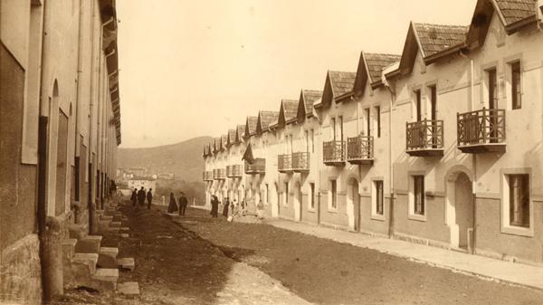 La historia de las 39 casas baratas 39 de bizkaia se cuenta en - Inmobiliarias en basauri ...