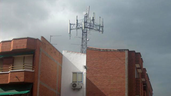 basauri_antena_telefonia_movil_2012