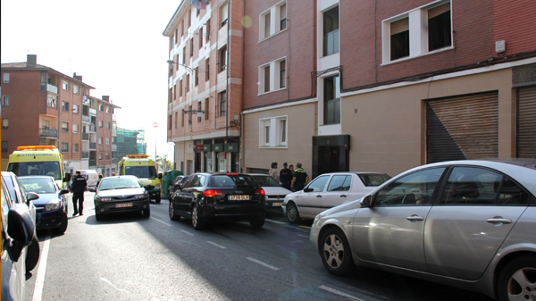 basauri_calle_axular_2014_incendio_ambulancia