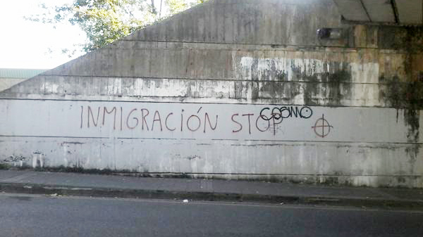 etxebarri_pintada_2014_inmigracion_stop