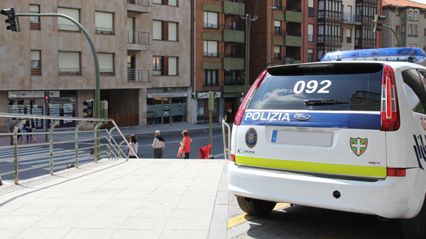 basauri_policia_municipal_2013_coche