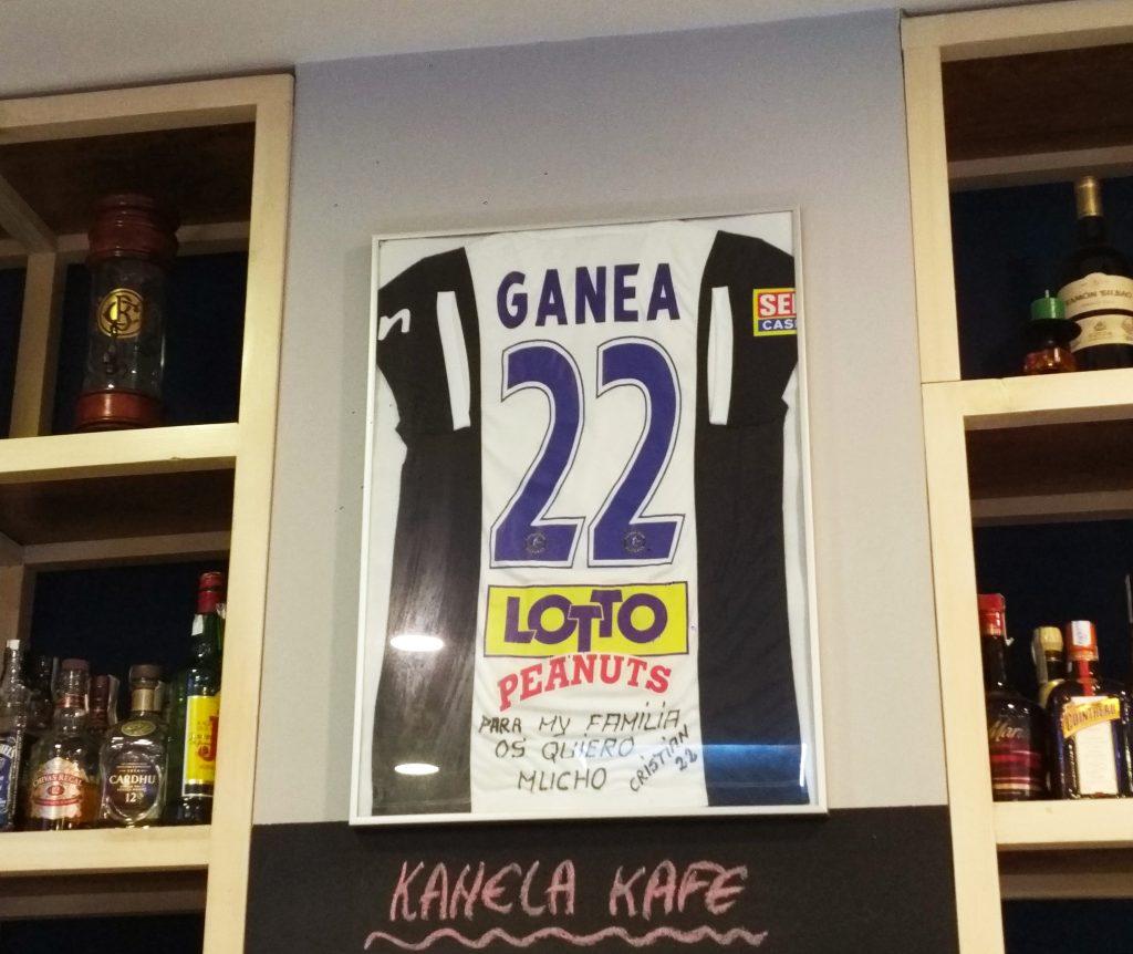 Kanela Kafe Basauri Camiseta Firmada Cristian Ganea Julio 2018