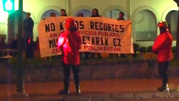 basauri_social_antzokia_protesta_funcionarios_feb_2011