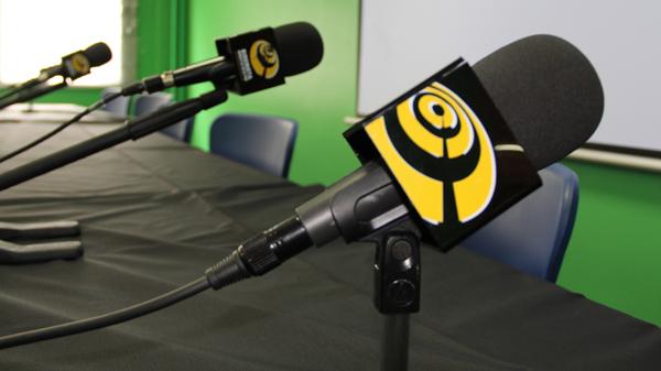 basauri_elecciones_2011_candidatos_partidos_debate_micros