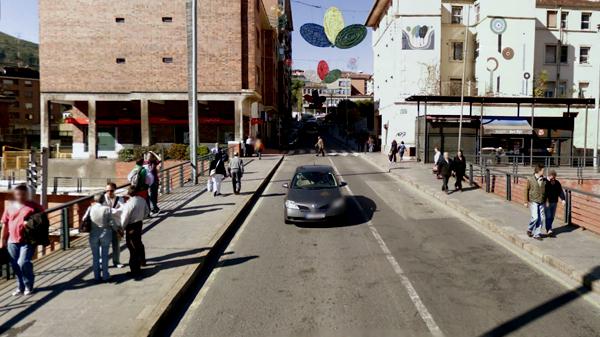 basauri_vecinos_calle_nagusia_ayuntamiento_2010
