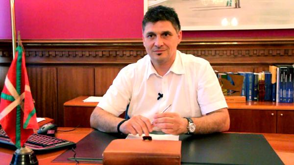 andoni_busquet_basauri_alcalde_ayuntamiento_julio_2011