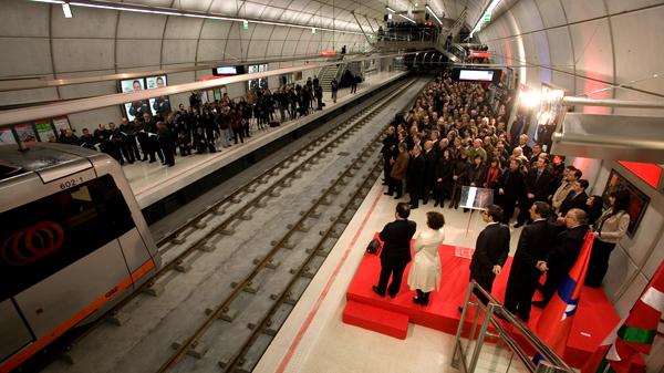 basauri_metro_inauguracion_ariz_2011_tren