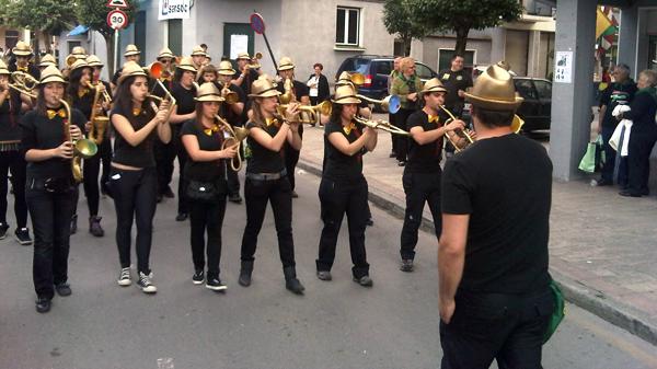 galdakao_usansolo_jaiak_desfilea