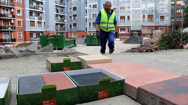 basauri_plaza_autonomia_baldosa_ecologica_2012