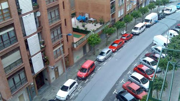 galdakao_calle_aereo_coches_aparcamiento_2010