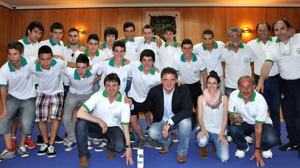 basauri_futbol_seleccion_cadete_2013_ayuntamiento