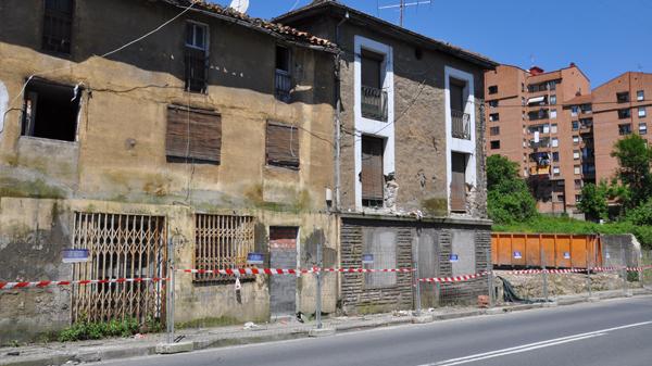 basauri_san_miguel_casas_baratas_derribo_2013_calle_gernika