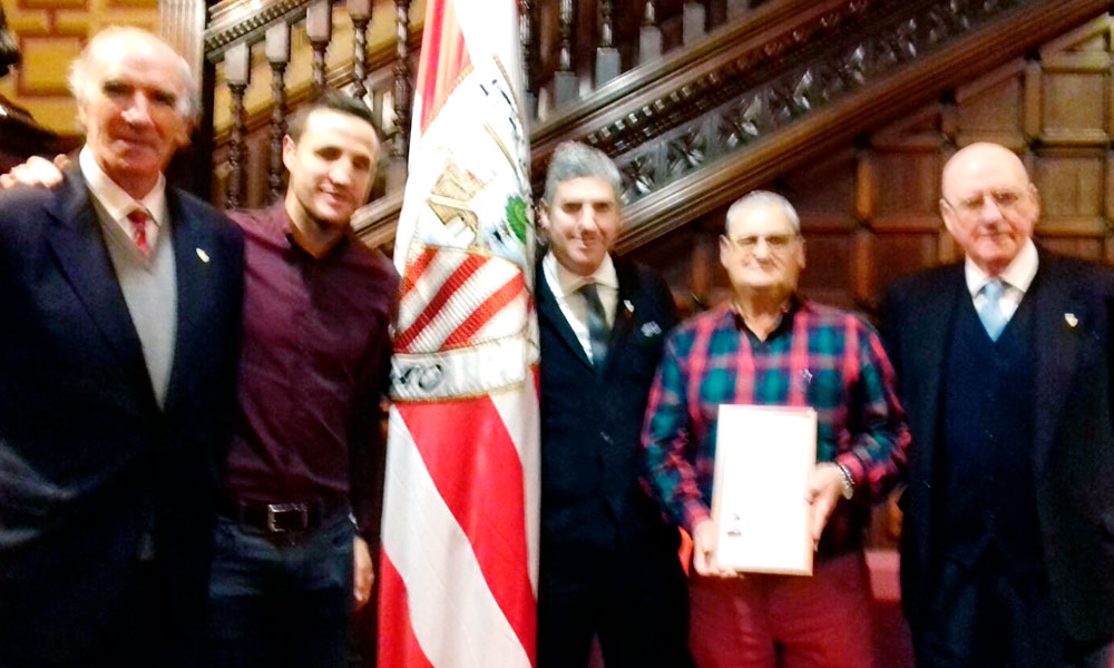 Jose Luis Saez Kiriki Basauri Iribar Gurpegi Urrutia medalla socio