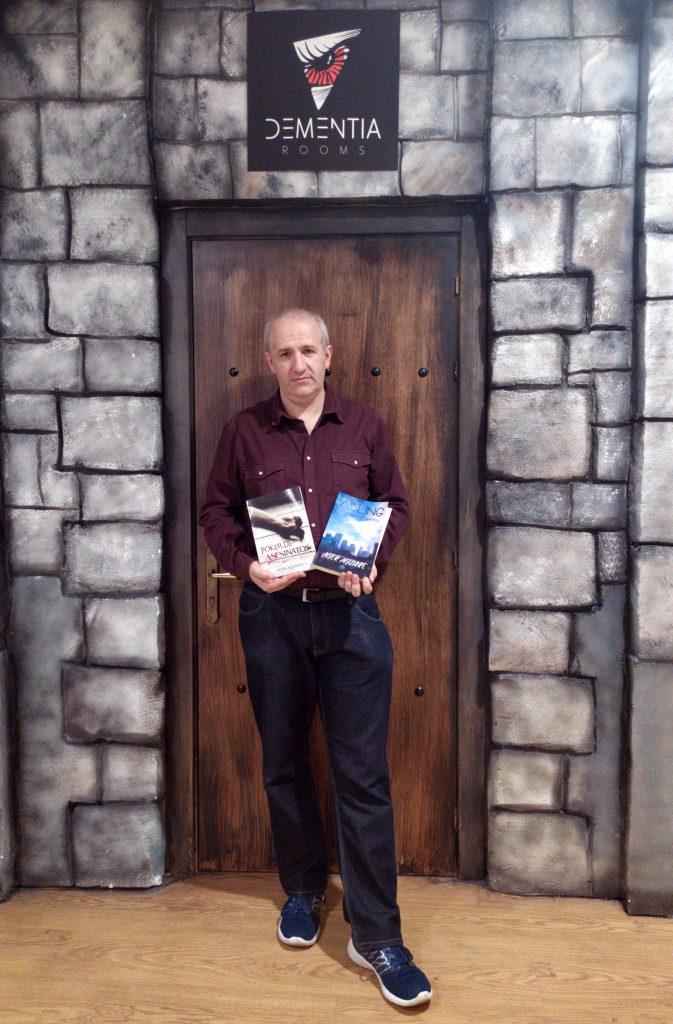 Ager Aguirrre, escritor y dueño de la Scape Room Dementia Rooms