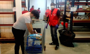 cruz roja reparto alimentos